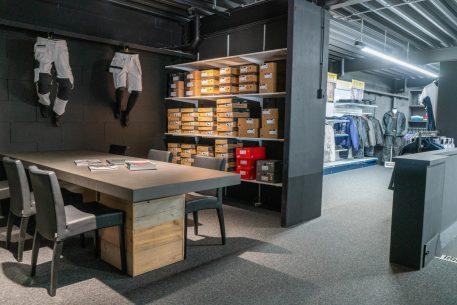 Woodfield Workwear Eindhoven zijkant